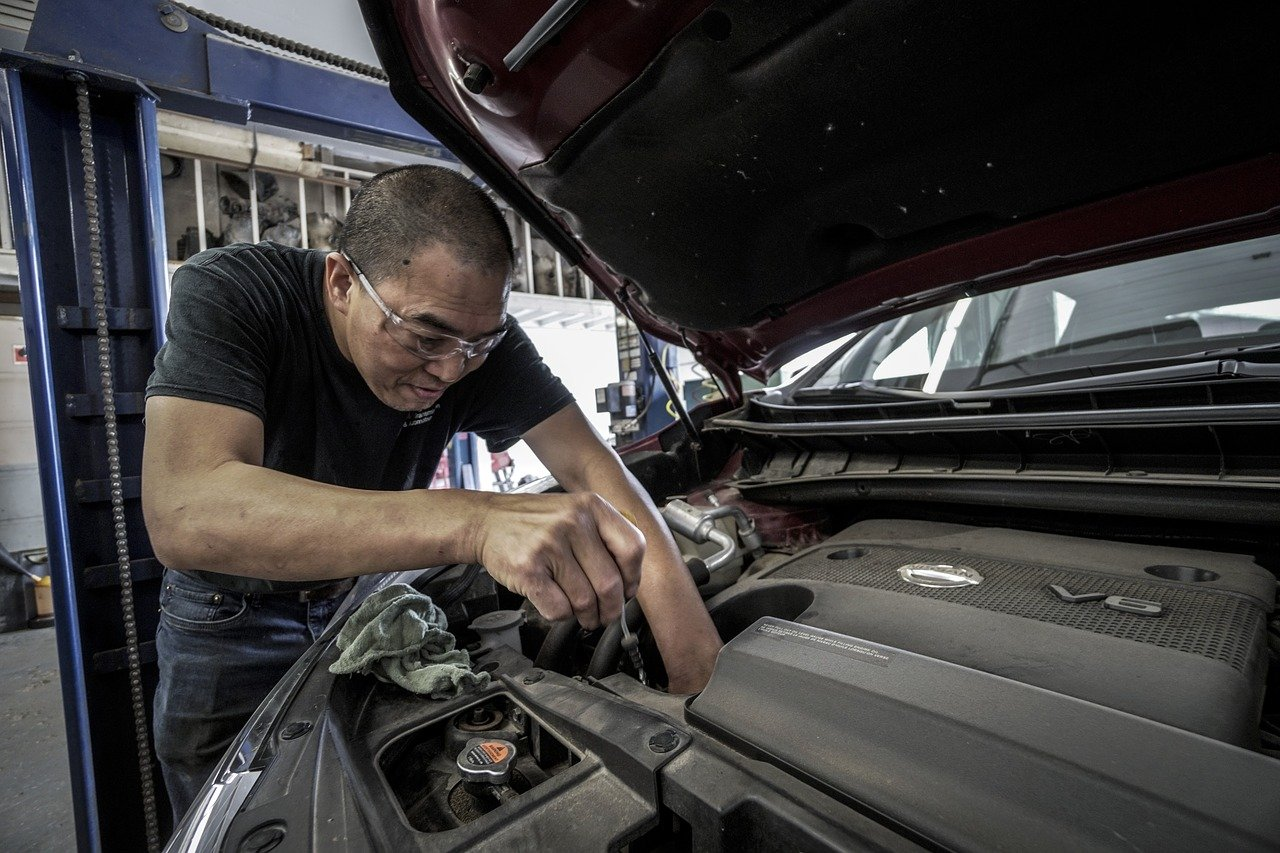 You Need to Know How to Avoid the Biggest Car Maintenance Mistakes